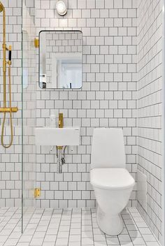 We will have a very small bathroom in the Caboose and I love how the entire bathroom is in the same tile...small and efficient.