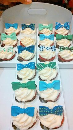 Bowtie cupcakes
