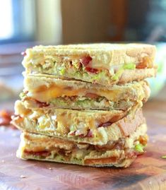 Chicken, Bacon and Avocado Panini ~Another great idea for Corey to try. Maybe use turkey bacon and grilled chicken breasts to make it a little healthier. Might have to check into getting a Panini make(Pimento Cheese Rollups) Panini Recipes, Lunch Recipes, Cooking Recipes, Healthy Recipes, Delicious Recipes, Fast Recipes, Wrap Recipes, Avocado Recipes, Dessert Recipes
