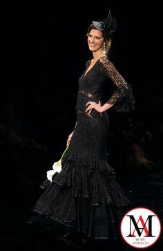 ¡No nos puede gustar más Laura Sanchez Internacional, con este diseño de Carmen Rodriguez. Y, ¿a vosotros? #ModaAndaluza #Andalucia #moda