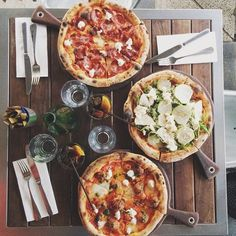 Pizza party (even healthy( I Love Food, Good Food, Yummy Food, Tasty, Food Porn, Tumblr Food, Comfort Food, Aesthetic Food, Food Cravings
