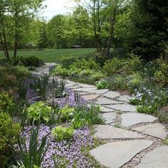 flagstone pathway Garden paths act as the backbone of landscape design, providing a sense of structure and order. Browse photos of 24 unique garden walkways on . Flagstone Pathway, Pea Gravel Patio, Stone Walkway, Stone Pathways, Walkways, Rock Walkway, Stone Edging, Metal Edging, Paver Walkway