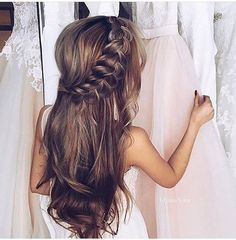 Wedding Hairstyles For Long Hair Special compilation of Christmas hairstyles for long hair. - We gathered up a special compilation of Christmas hairstyles for long hair, which look cute and are simple to master. They will take less than 10 minutes. Flower Girl Hairstyles, Wedding Hairstyles For Long Hair, Little Girl Hairstyles, Wedding Hair And Makeup, Pretty Hairstyles, Hair Makeup, Wedding Updo, Hairstyle Ideas, Bridal Hairstyle