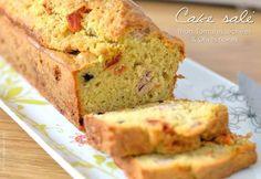 Cake salé au thon, tomates séchées & olives noires (VIDEO)