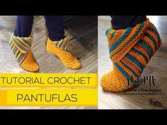 Crochet Slippers, Crochet Yarn, Crochet Videos, Crochet Designs, Sock Shoes, Leg Warmers, Fingerless Gloves, Socks, Crafty