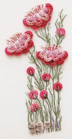 crewel embroidery with crochet? Best of both worlds! Inspiración ~☆~ Teresa Restegui http://www.pinterest.com/teretegui/ ~☆~