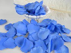 500 Flower Petals / Rose Petals / Cornflower Blue by MorrellDecor