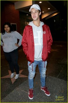 cameron dallas shirtless selfie dinner out la 01
