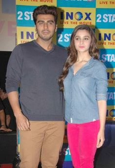 Alia and Arjun entertain the crowds in Bangalore | PINKVILLA