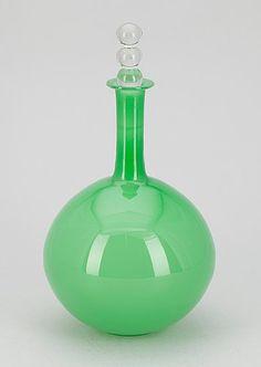 "NANNY STILL - Decorative glass object ""Tzarina"" designed in 1963 for Riihimäen Lasi Oy, in production Finland. Carafe, Decanter, Glass Design, Design Art, Vases, Pots, Scandinavian Art, Mid Century Modern Art, Tom Dixon"