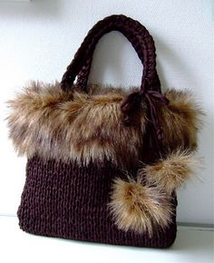 New crochet handbags winter Ideas Crochet Handbags, Crochet Purses, Crochet Crafts, Knit Crochet, Knitting Patterns, Crochet Patterns, Fur Bag, Diy Handbag, Handmade Purses