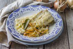 Il pesce in carpione è una ricetta perfetta per insaporire e conservare il pesce di acqua dolce: per questa ricetta utilizzate filetti di trota.
