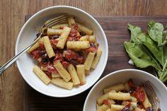 Sleepy Sundays: Rigatoni with Tomato, Bacon, Bean Sauce http://wp.me/p2z1Vp-qs #italian #recipes #cooking #pasta #crandlecakes