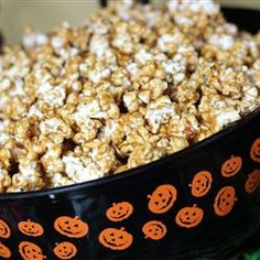 Classic Caramel Corn - What an addictive snack!