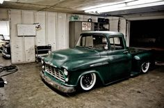 hot rod, muscle cars, rat rods and girls : Photo 57 Chevy Trucks, Classic Chevy Trucks, Hot Rod Trucks, Gm Trucks, Chevy Pickups, Cool Trucks, Cool Cars, Pickup Trucks, Truck Drivers