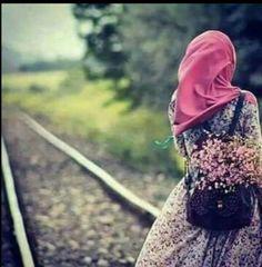 Be along is better than a break upp Hijab Niqab, Hijab Chic, Mode Hijab, Hijab Style Dress, Modest Fashion Hijab, Hijabi Girl, Girl Hijab, Muslim Girls, Muslim Women