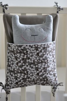 Holy Cuteness! Love this for a baby's crib.