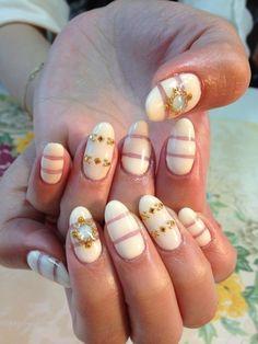 Summer nail ☆ no.7 #nail #unhas #unha #nails #unhasdecoradas #nailart #white #branco #dourado #gold