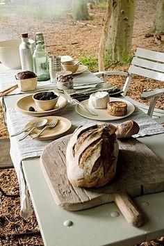 Décor de Provence the bread, summer picnic, baked breads, food, company picnic, oliv, garden picnic, outdoor picnic ideas