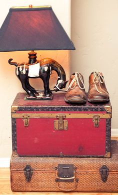 I'm having a suitcase episode...which means I want lots of them!  Vintage Home Decor