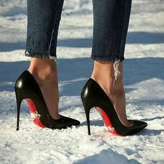Christian Louboutin : Official Online Boutique of the luxury French shoes and bags designer Hot High Heels, Sexy Heels, High Heel Boots, Pumps Heels, Stiletto Heels, Jeans Heels, Black Stilettos, Christian Louboutin Red Bottoms, Shoes 2018