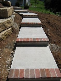 DIY Garden Steps & Stairs • Lots of ideas, tips & tutorials! Including these concrete steps trimmed with bricks.