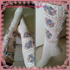 Blogin voittosukat valmistuivat. #knitting #crochet