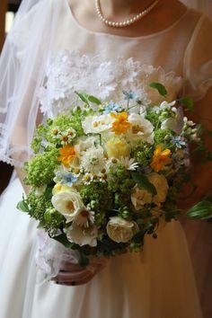 新郎新婦様からのメール コスモスのブーケ 自由学園明日館さまへ1 : 一会 ウエディングの花