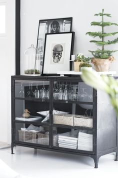 bar set up / Bar, Drinks, Home, Interior, Living Decoration Inspiration, Interior Inspiration, Room Inspiration, Sweet Home, Black Cabinets, Home And Deco, Interiores Design, Home And Living, Home Kitchens