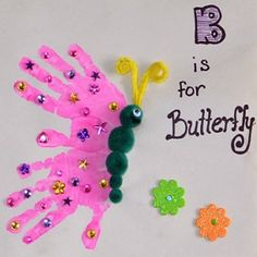 25 Precious Handprint Crafts for Toddlers Handprint butterfly art project. Toddlers, preschoolers, and advanced babies. Kids Crafts, Spring Crafts For Kids, Daycare Crafts, Summer Crafts, Art For Kids, Art For Toddlers, Quick Crafts, Kids Diy, Handprint Butterfly