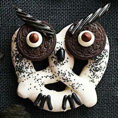 Owl pretzel (Halloween!)