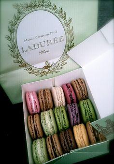Eat macarons from Laduree in Paris. Macarons, Laduree Macaroons, Macaron Cookies, I Love Paris, New Paris, Laduree Paris, French Macaroons, Aesthetic Food, Afternoon Tea