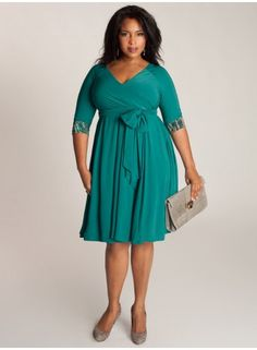 Jaqueline 2-in-1 Dress in Jade I have this dress and it is very flattering.