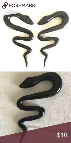 Long black dress size 0 plugs