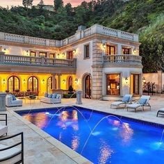 Be rich and famous! Live the life of you choose. Do extraordinary things make extraordinary fortune. ==========================================================================$22500000 mansion in Bel-Air California Would you live here? Credit: @theagencyre Luxury Lifestyle