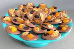 Mendiants com blend de chocolates produzidos em nossa cozinha!