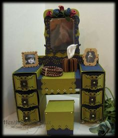 Grandma's Vanity by wenchie - Cards and Paper Crafts at Splitcoaststampers Dollhouse Tutorials, Diy Dollhouse, Dollhouse Miniatures, Dollhouse Design, Miniature Tutorials, 3d Templates, Barbie Furniture, Paper Furniture, Miniature Furniture