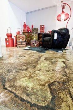 Un #effettotartaruga davvero inedito per questo negozio di mobili; solo con #PavimentoAcidificato! #designstore