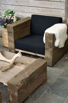 """Figure out more details on """"patio furniture diy"""". Browse through our website. Pallet Garden Furniture, Diy Outdoor Furniture, Patio Furniture Sets, Rustic Furniture, Furniture Layout, Modern Furniture, Antique Furniture, Furniture Design, Furniture Ideas"""