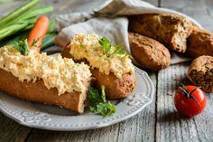 Nem tudod, mit kenj a kenyeredre? A zellerkrém újdonság lehet. Brunch, Pickling Cucumbers, Avocado Toast, Pesto, Baked Potato, Carrots, Good Food, Breakfast, Ethnic Recipes