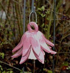 http://de.dawanda.com/product/3271890-Glockenblume-aus-Keramik
