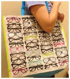 Eyeglass shopping bag