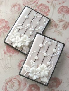 Art Nouveau Floral Lace Wedding Cookies