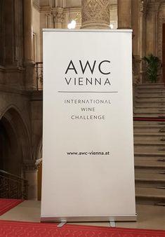 Und wieder ein Corona-Opfer! Die AWC Vienna - Gala Nacht des Weines 2020 am 25. Oktober im Wiener Rathaus wurde abgesagt. Der Grund für die Absage - wie sollte es anders sein - sind die Vorgaben der österreichischen Bundesregierung aufgrund von COVID-19. Trotzdem: 11.232 Weine von 1.510 Produzenten aus 41 Ländern aller Kontinente stellten sich dem internationalen Vergleich!   Daher werden am Sonntag, den 4.