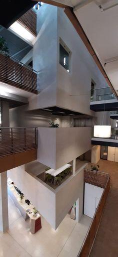 Gezonde, duurzame, strakke eigentijdse kantoorruimte! Kleur Gomera Grijs en Dover. Modern, Trendy Tree