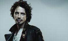 """Pearl Jam e Chris Cornell cantam o clássico """"Hunger Strike"""" em show beneficente"""
