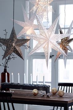 scandinavian christmas home decoration Scandinavian Christmas Decorations, Christmas Star Decorations, Noel Christmas, Winter Christmas, Christmas Crafts, Table Decorations, Christmas Ideas, Classy Christmas, Beautiful Christmas