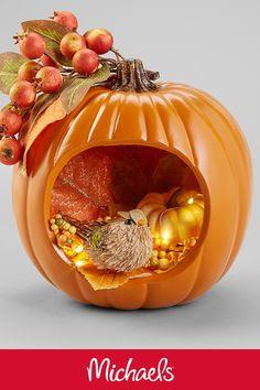 Make this Fall bounty diorama pumpkin project it is a cute and easy pumpkin craft. Fall Pumpkin Crafts, Diy Pumpkin, Thanksgiving Crafts, Fall Pumpkins, Thanksgiving Decorations, Fall Crafts, Pumpkin Carving, Blue Pumpkin, Rustic Thanksgiving