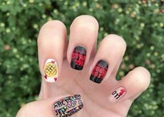 Stranger Things nails are the manicure you need to get hooked … - Nail Designs! Stranger Things Halloween, Finn Stranger Things, Bobby Brown Stranger Things, Stranger Things Season 3, Cute Nail Art, Cute Nails, Halloween Acrylic Nails, Diy Nail Designs, Nouvel An