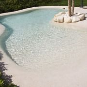 32 Awesome Natural Small Pools Design Ideas Best For Private Backyard Beach Entry Pool, Backyard Beach, Backyard Pool Designs, Small Backyard Pools, Small Pools, Swimming Pools Backyard, Swimming Pool Designs, Beach Pool, Pool Landscaping